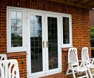 Входные двери из металлопластика - стильно, удобно и светло!