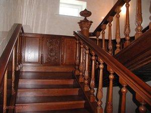 Лестницы должны иметь ограждение - это перила, укрепленные на балясинах.