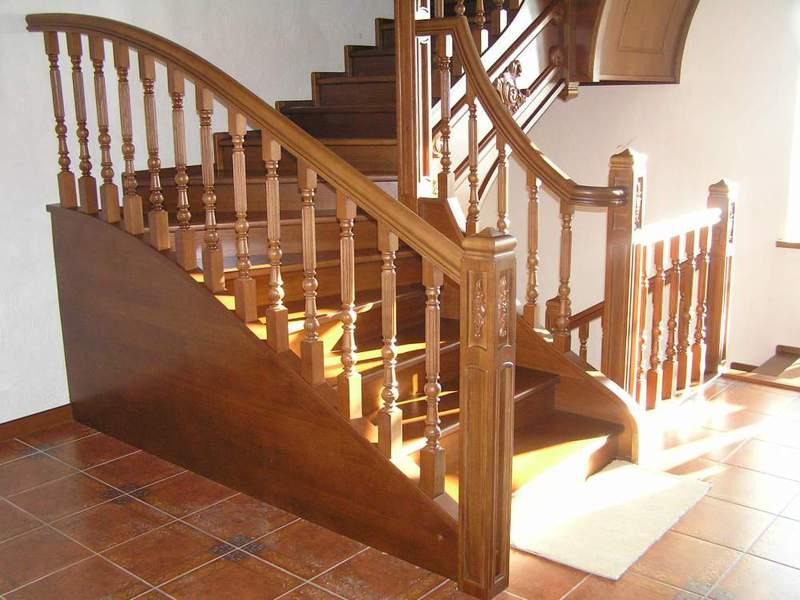 Мраморная лестница, изготовление лестницы из мрамора