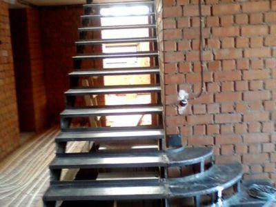 Лестницы на второй этаж своими руками с метала