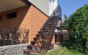 Металлические лестницы на второй этаж, виды и монтаж своими руками