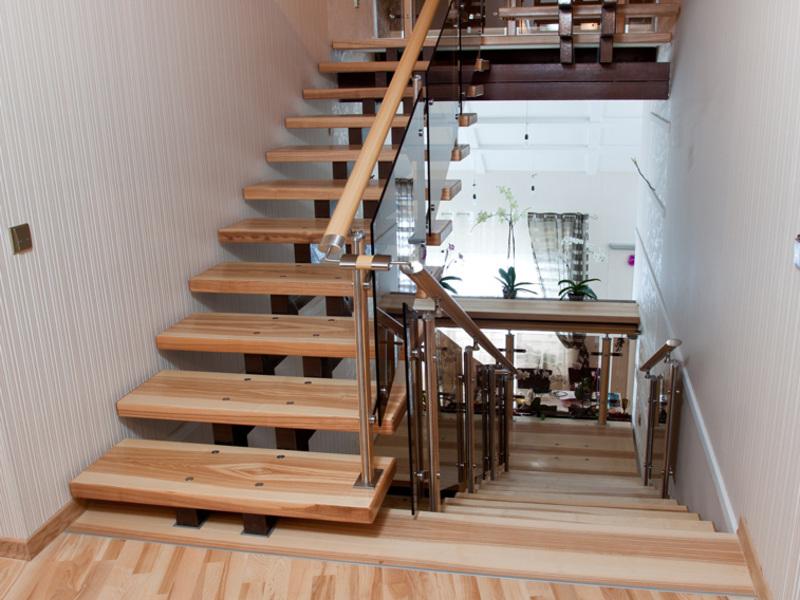 Лестница на 2 этаж в частном доЗарядка