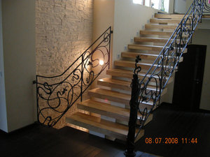 Недорогие готовые лестницы на второй этаж: виды деревянных лестниц для дачи и дома, цена готовых конструкций