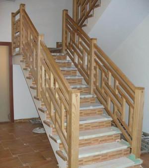 Купить балясины для лестниц в Крыму - цены на готовые