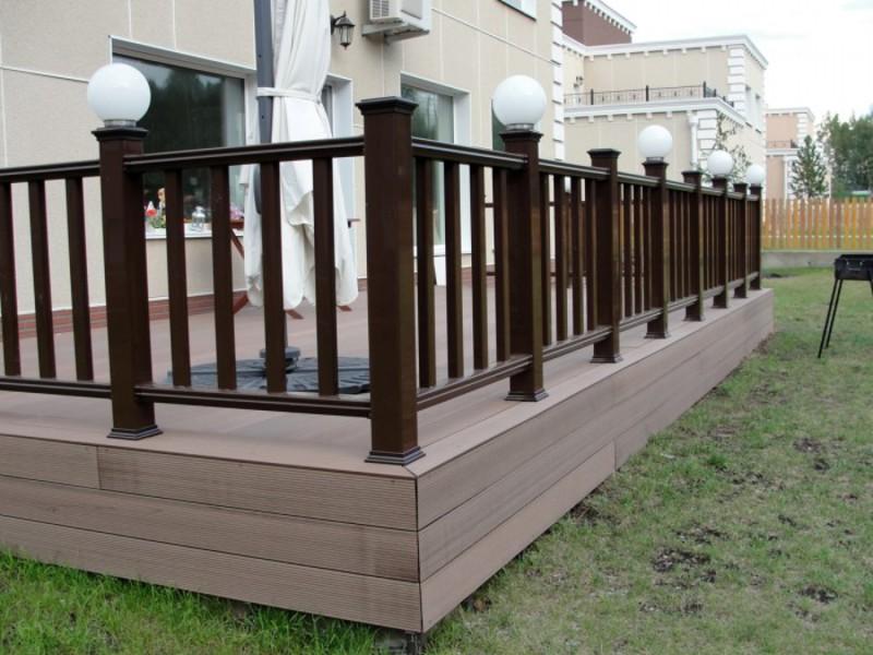 перила деревянные для террасы фото