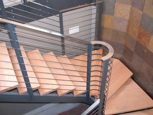 деревянные ступеньки