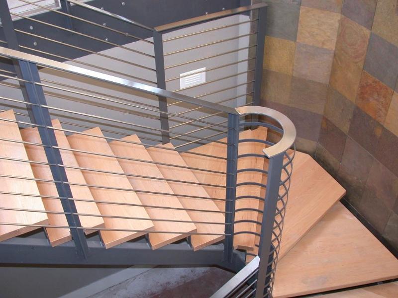 Лестница из металла на мансарду своими руками 58