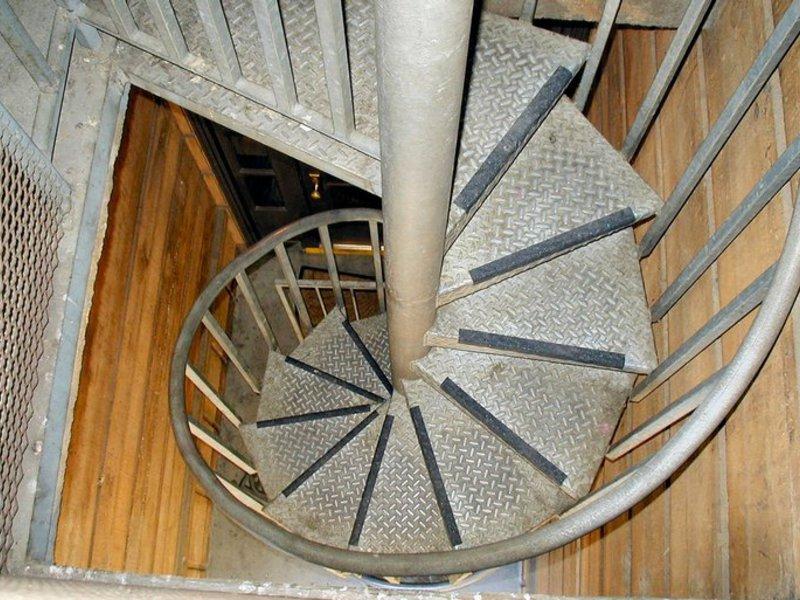 Винтовая лестница своими руками из металла чертежи фото 824