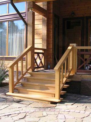 Строим деревянное крыльцо для дома своими руками