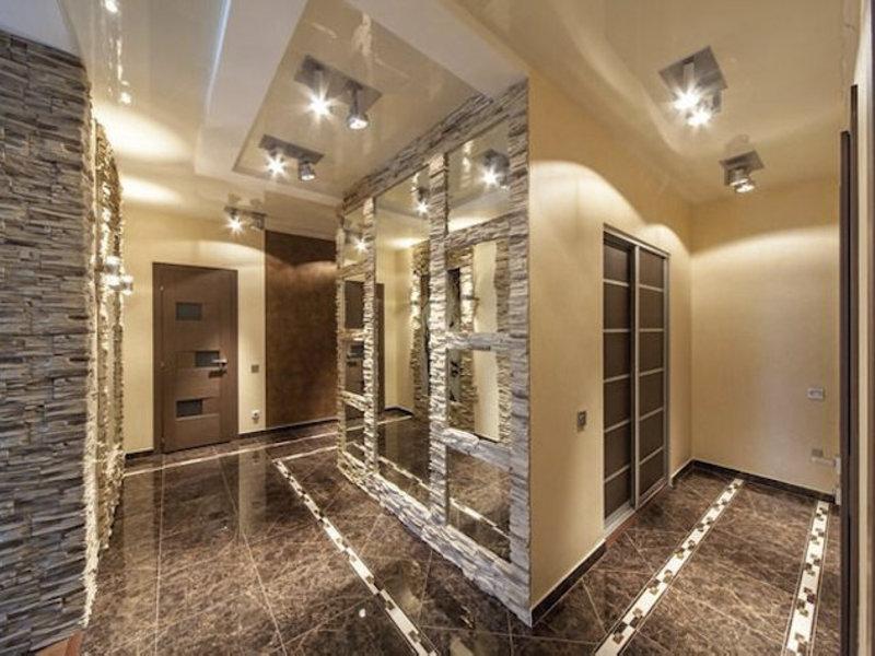 Тамбур в частном доме двери с окнами дизайн фото