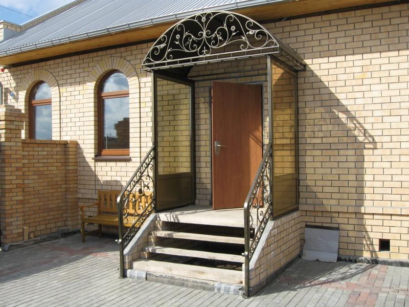 Выбор входной лестницы в частный дом; варианты создания своими руками и фото конструкции